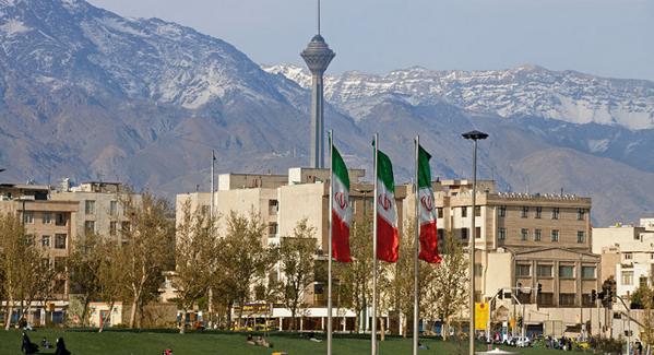 قیمت خانه در گرانترین منطقه تهران نیز مجددا به منطقه یک  تهران با متوسط قیمت ۳۴ میلیون و ۱۹۹ هزار و ۴۰۰ تومان رسید.