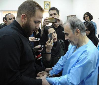 اولین جلسه محاکمه محمدعلی نجفی شهردار سابق تهران که به قتل عمد همسر خود میترا استاد متهم است، در دادگاه کیفری استان تهران برگزار میشود.