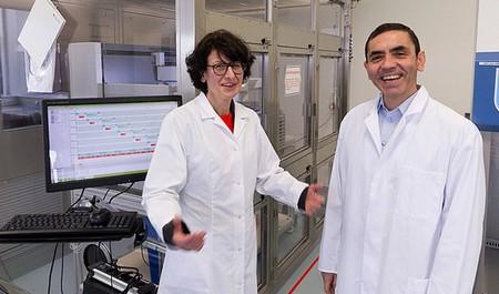 اوگور شاهین و اوزلم توئرِسی زوج پزشک و مشهوری هستند که می توانند جهان را تغییر دهند. چگونه؟ با کشف واکسن کرونا.
